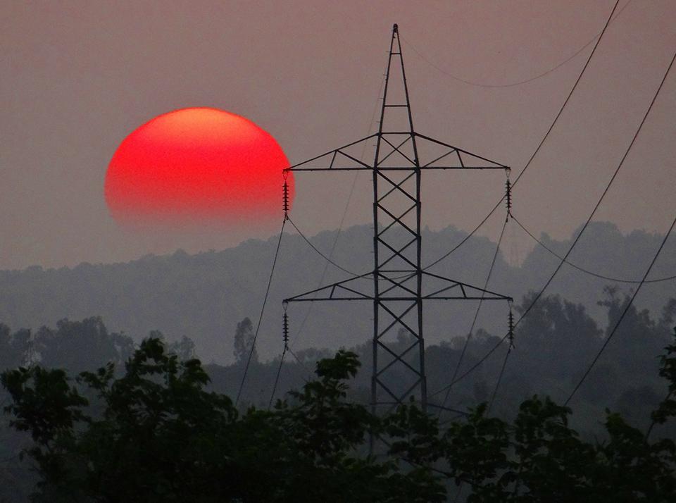 Powerline sunset India 960x714
