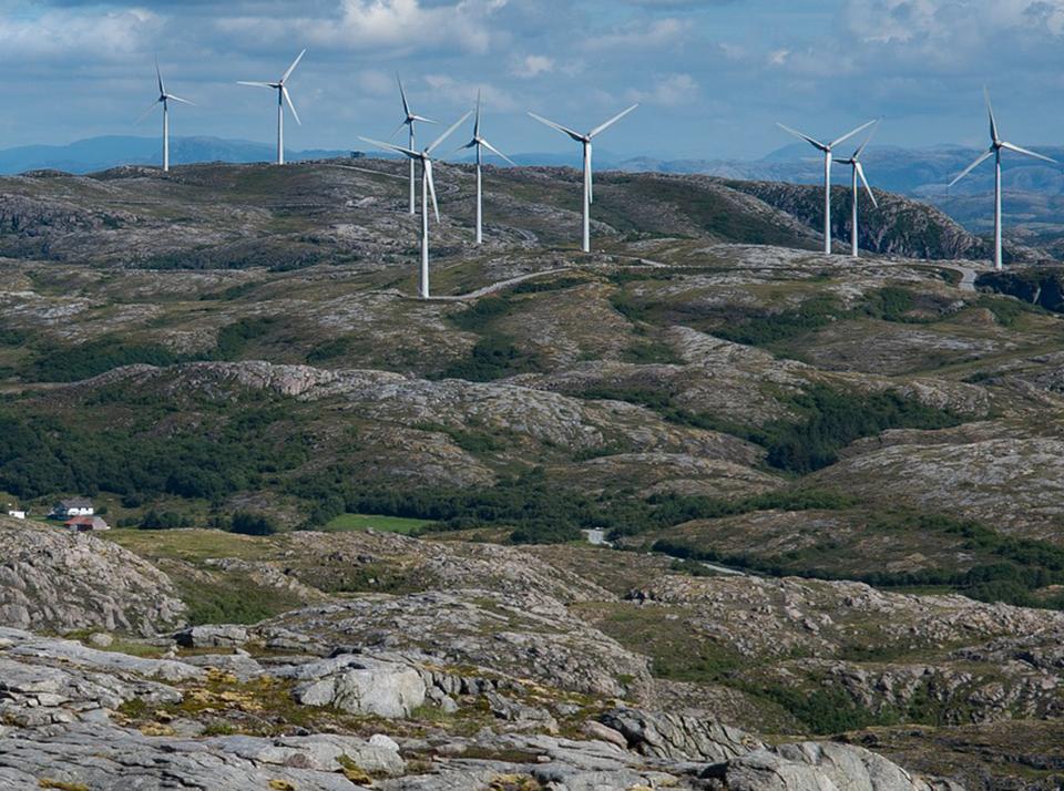 Wind turbines Norway2 960x714